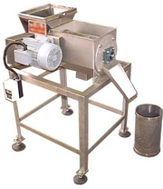 Протирочная машина для отделения косточек от плодов  100 – 200 кг/ч