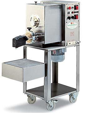 Автоматические макаронные пресса 6 – 36 кг/ч,  макаронный пресс
