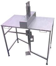 Машинка для механического удаления косточек из сушёной сливы чернослив
